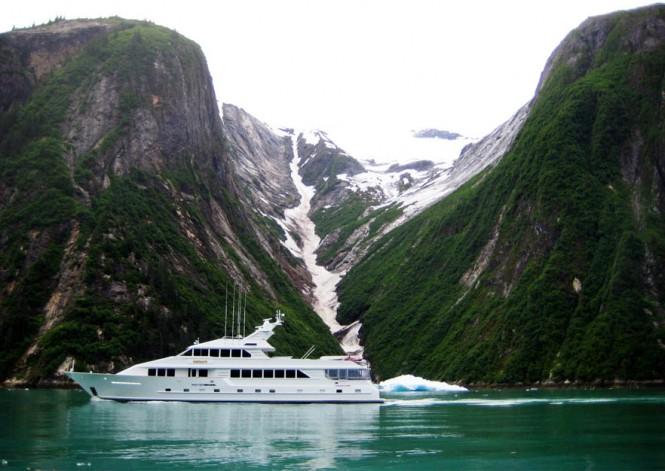 Motor Yacht SHOGUN in Alaska