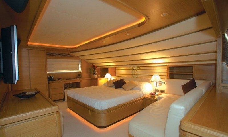 Motor yacht LADY CHATTERLEY - Master Cabin