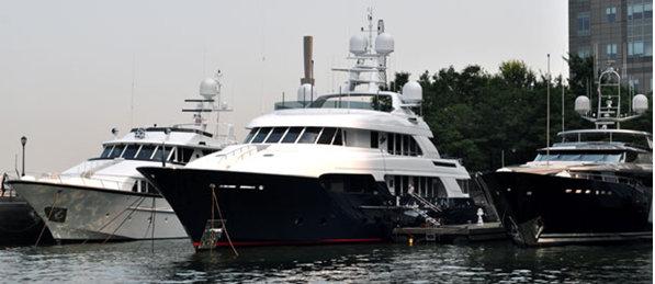 156ft Delta superyacht Slojo pictured in center