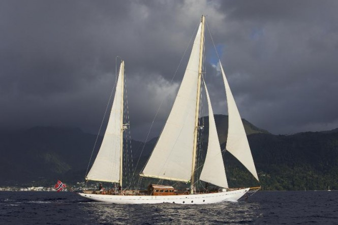 88ft classic superyacht Sincerity