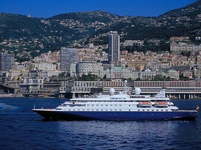 Luxury mega yacht Sea Dream in Monaco