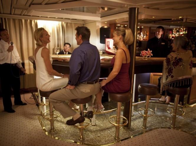Sea Dream superyacht - Piano Bar