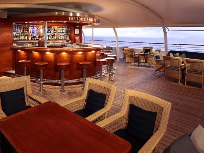 Top Of The Yacht Bar - Luxury yacht SeaDream