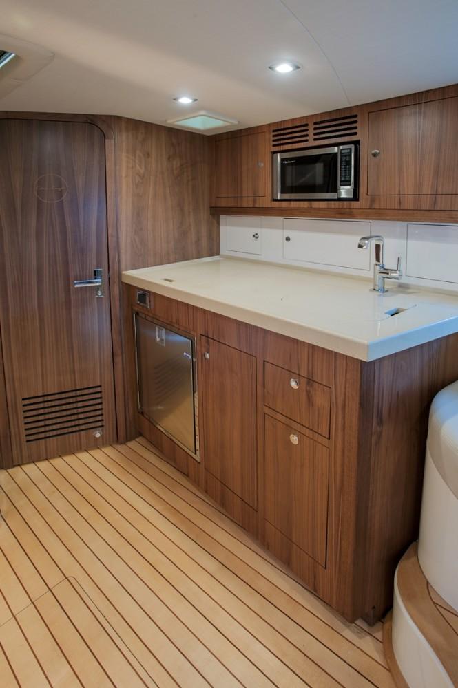 36 Corsair yacht - Galley