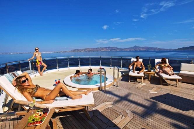 O'Mega yacht - Sun deck