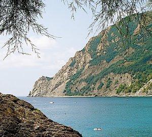 30% off high season rate on Mediterranean luxury Yacht ARIETE PRIMO