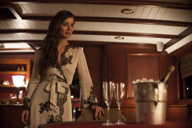 Berenice Marlohe - James Bond Movie SKYFALL - ©Columbia Pictures and  Twentieth Century Fox Home Entertainment 2012