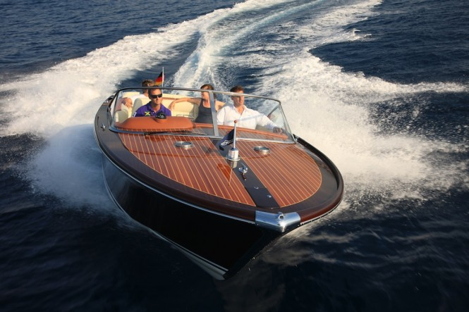 Graf IPANEMA yacht tender – a classic wooden Runabout ...