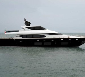Fipa Group exhibiting the Maiora 29 Convertible yacht at the 2012 FLIBS
