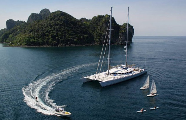 42m catamaran yacht Douce France