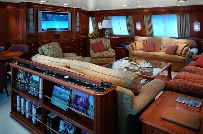 Felicita West yacht - Main Saloon