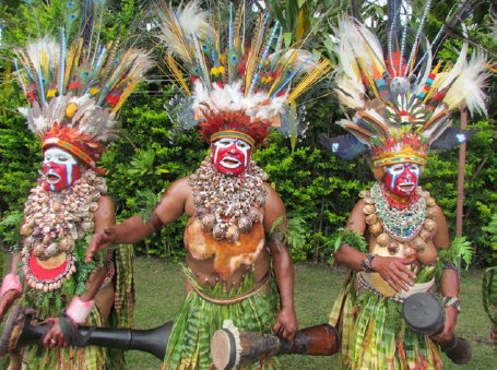 INDONESIA Tribe in Papua New Guinea