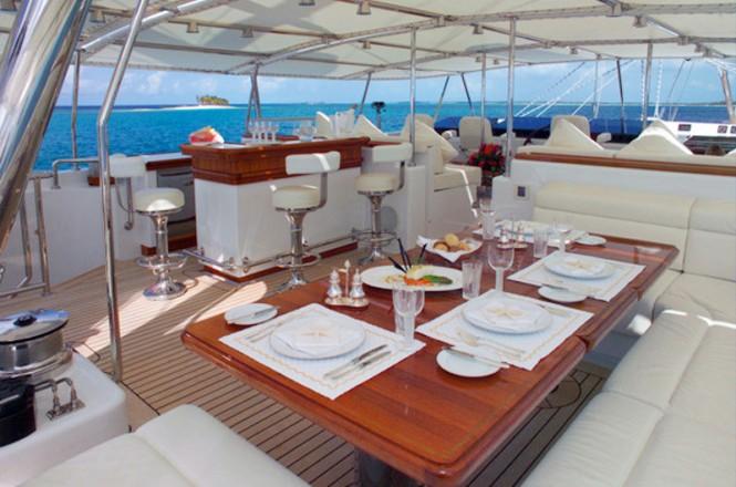 Sailing Yacht Felicita West - Al fresco dining