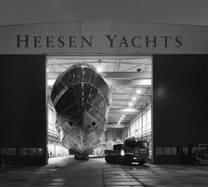 Hull and superstructure of the 50m Heesen motor yacht Project AZURO (YN 16650) joined together