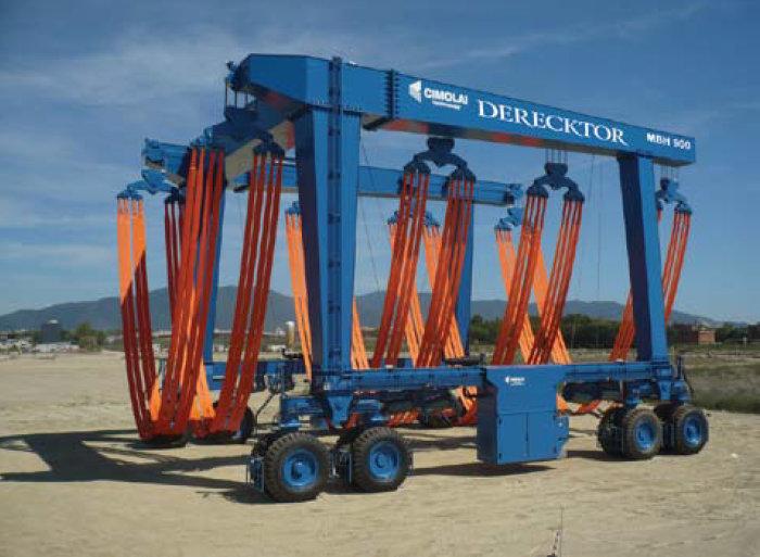 New 820-metric ton mobile boat hoist by Cimolai Technology for Derecktor of Florida