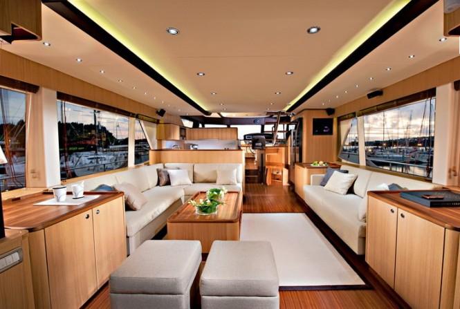 Greenline luxury yacht OceanClass 70 - Saloon