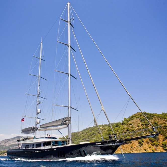 Spectacular 60 Years superyacht by Royal Craft Yachting