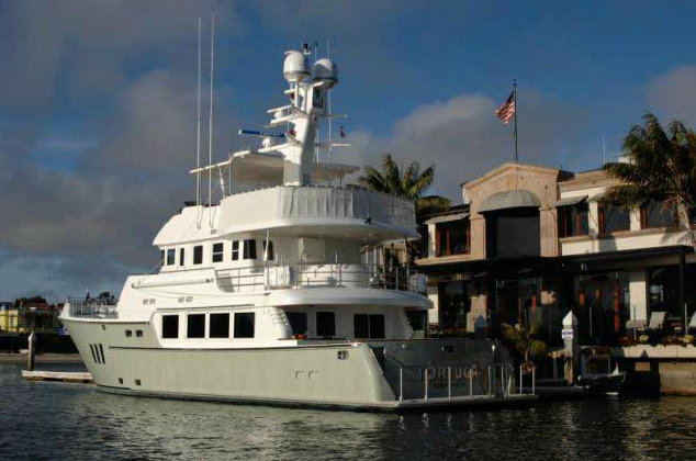 Tortuga Yacht - aft view