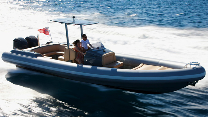 Hunton 1005 Yacht Tender at full speed