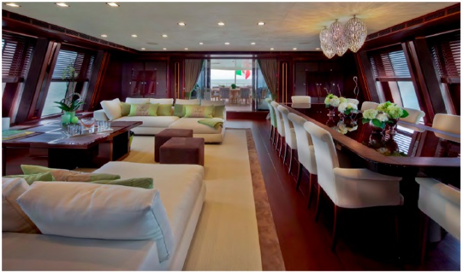 J'Ade yacht by CRN - Salon with dining area