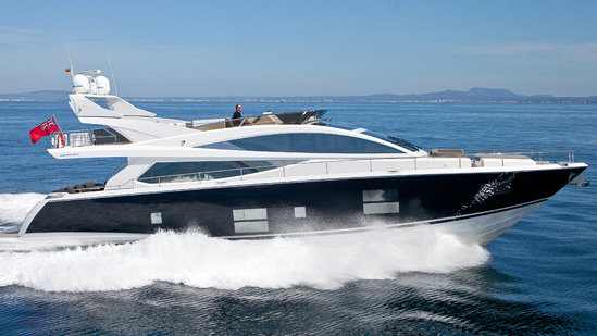 Pearl 75 Yacht at full speed