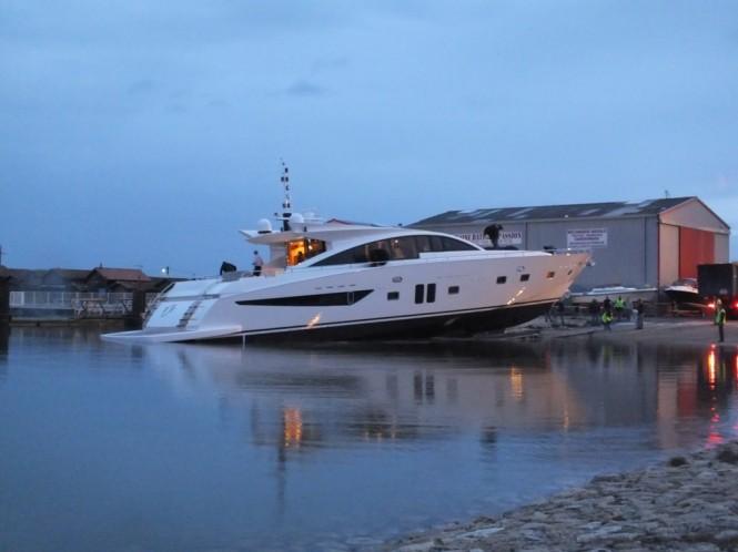 Superyacht Noe - a Couach 2800 Open