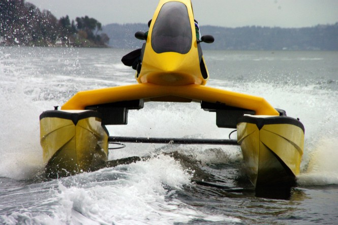 Superyacht toy HeliCat 22 at full speed
