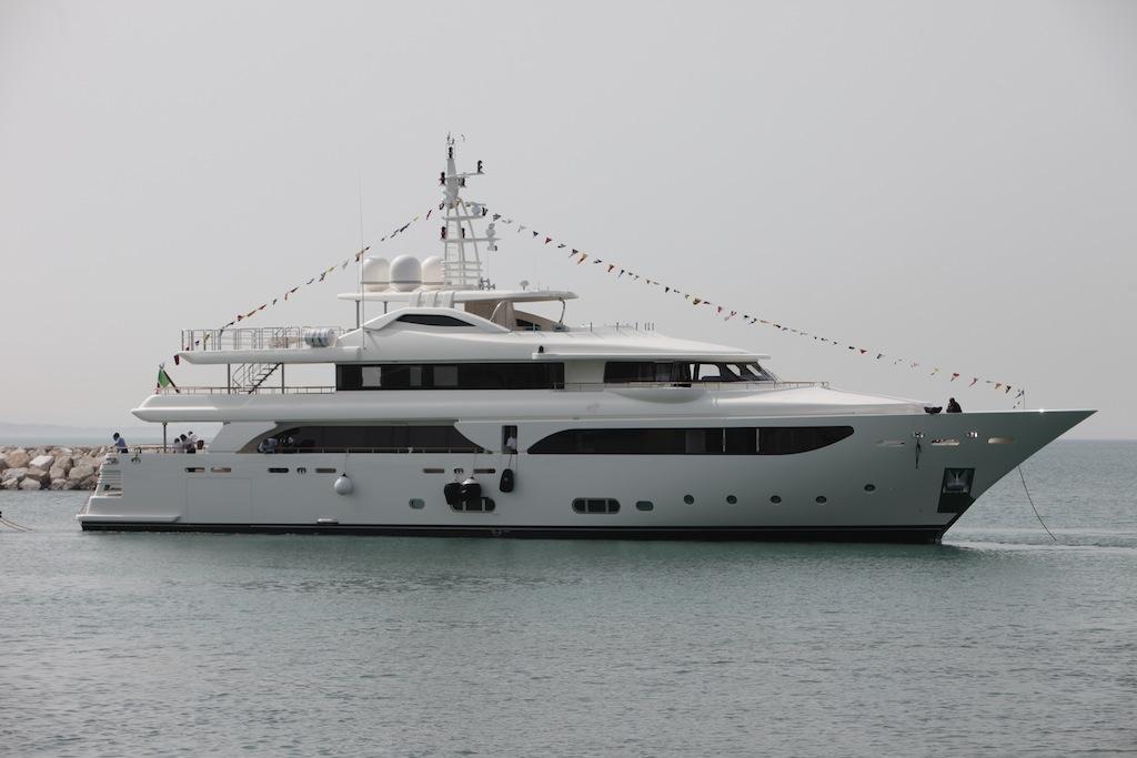 CRN launch Navetta 43 motor yacht LADY GENYR