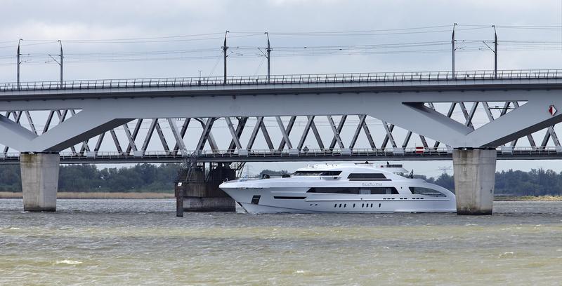 Motor yacht Galactica Star under Moerdijk rail bridge