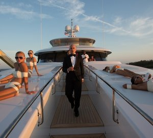 Luxury charter yacht ARIANNA star of the latest Pitbull/Arianna/FIAT America music video 'Sexy People' (The Fiat Song)