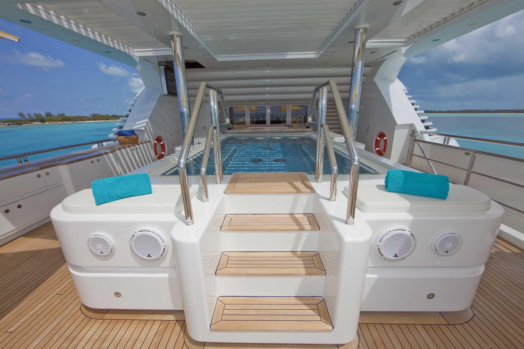 Superyacht TITANIA - Upper Deck Spa Pool
