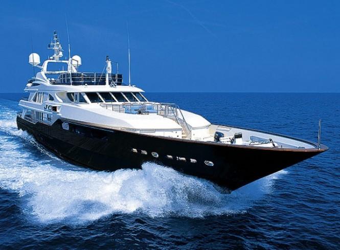 Charter yacht JO