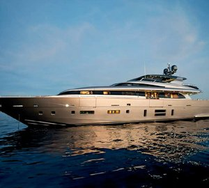 Canados 120 Yacht FAR AWAY named 'Best of the Best Honoree' by Robb Report