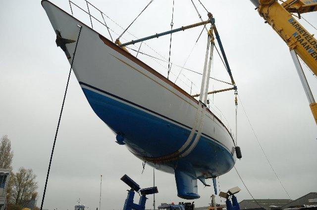 Luxury sailing yacht Wavelenght