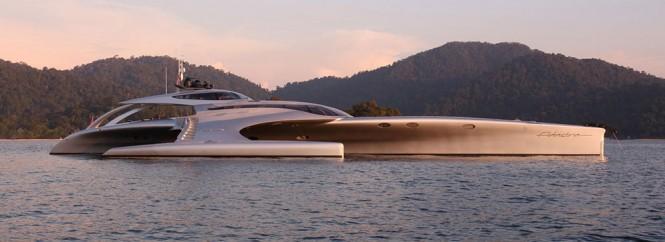 Trimaran yacht Adastra