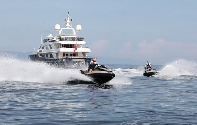 Water Toys - Luxury yacht JO