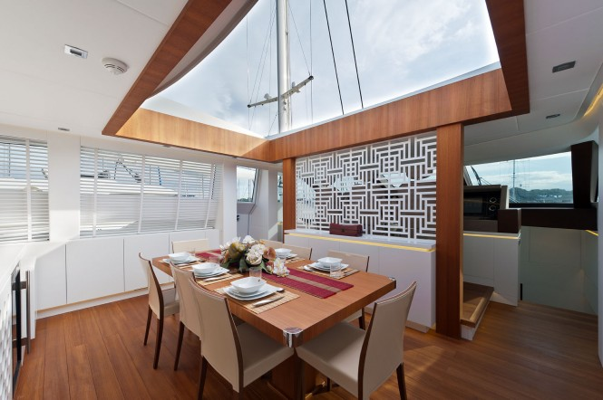 AB116 Yacht Diamond - Dining