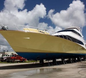 Jarrett Bay helps haul out 105' Jim Smith Yacht MARLENA