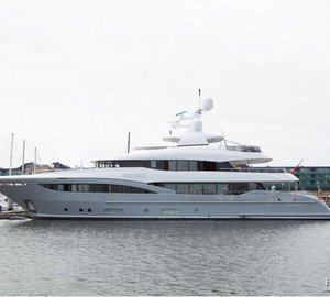 Hakvoort delivers 40m luxury yacht APOSTROPHE
