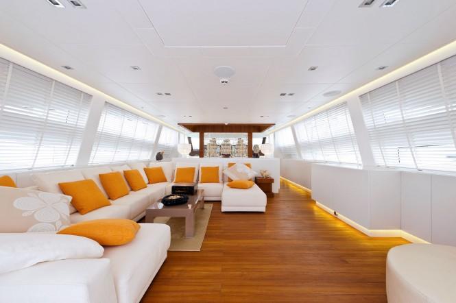 Luxury yacht Diamond - Saloon