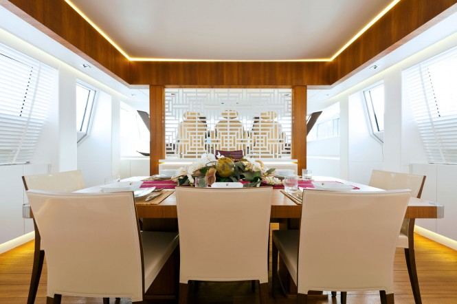 Motor yacht Diamond - Dining