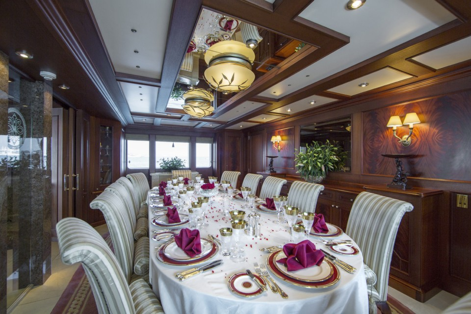 Dining - motor yacht MOSAIQUE