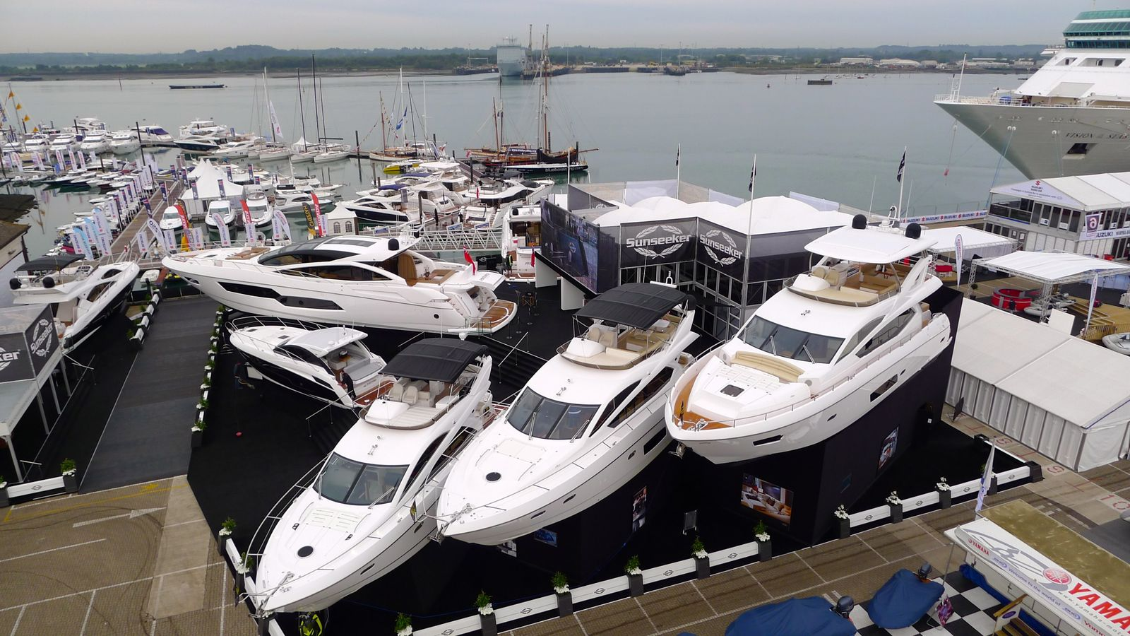 luxury garage ideas - Sunseeker Manhattan 73 — Luxury Yacht Charter & Superyacht