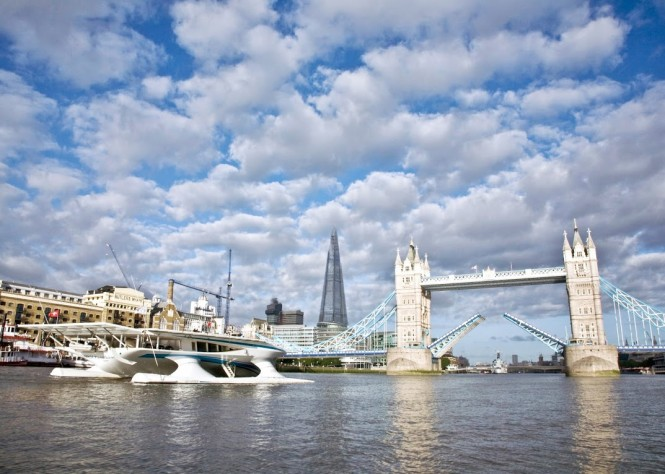 PlanetSolar - Tower Bridge, London - Photo by Ania Dabrowska