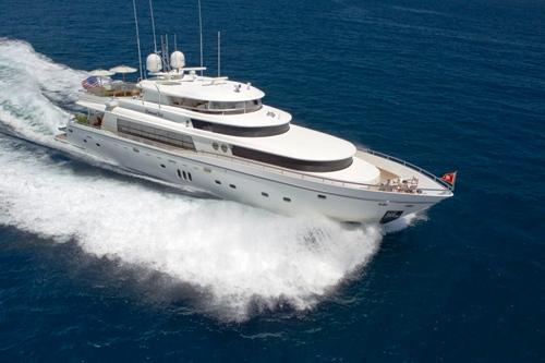 Diamond Girl Yacht -  Main