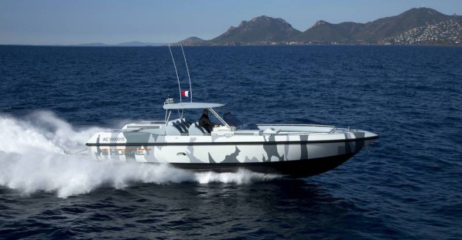 COUACH Hornet 1300 superyacht tender at full speed