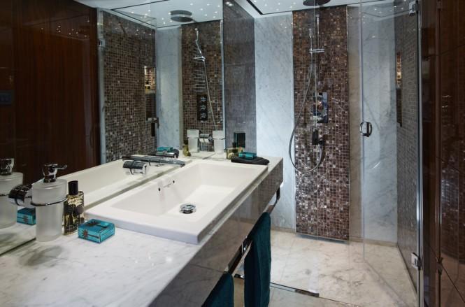 Luxury Yacht Princess 32m Starboard Aft Cabin Bathroom