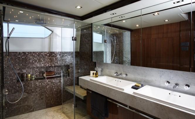Superyacht Princess 32m Master Stateroom Bathroom