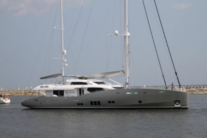Luxury yacht Lunar