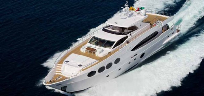 Majesty 105 superyacht Le Must